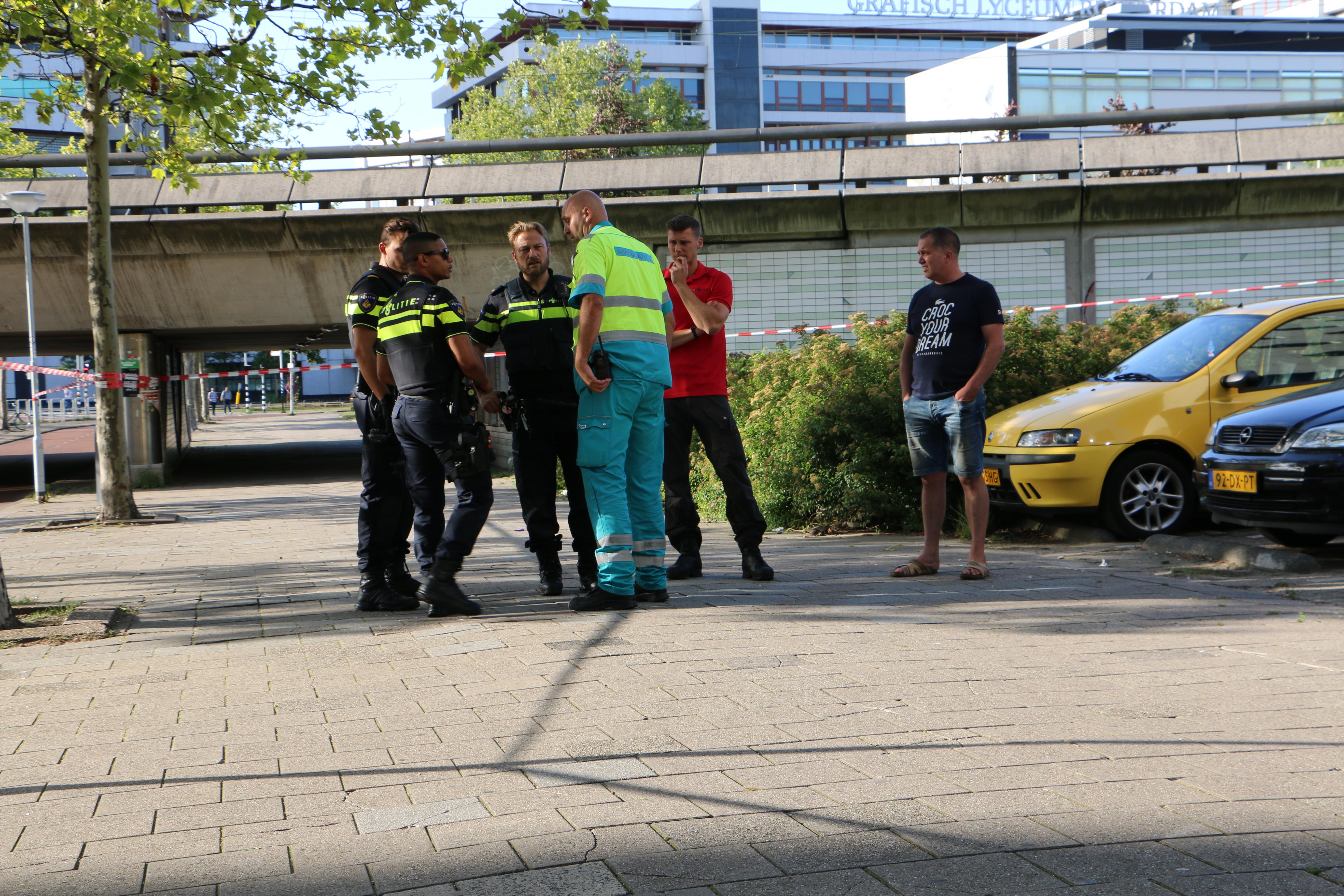 2 gewonden bij steekpartij Schiekade Rotterdam.