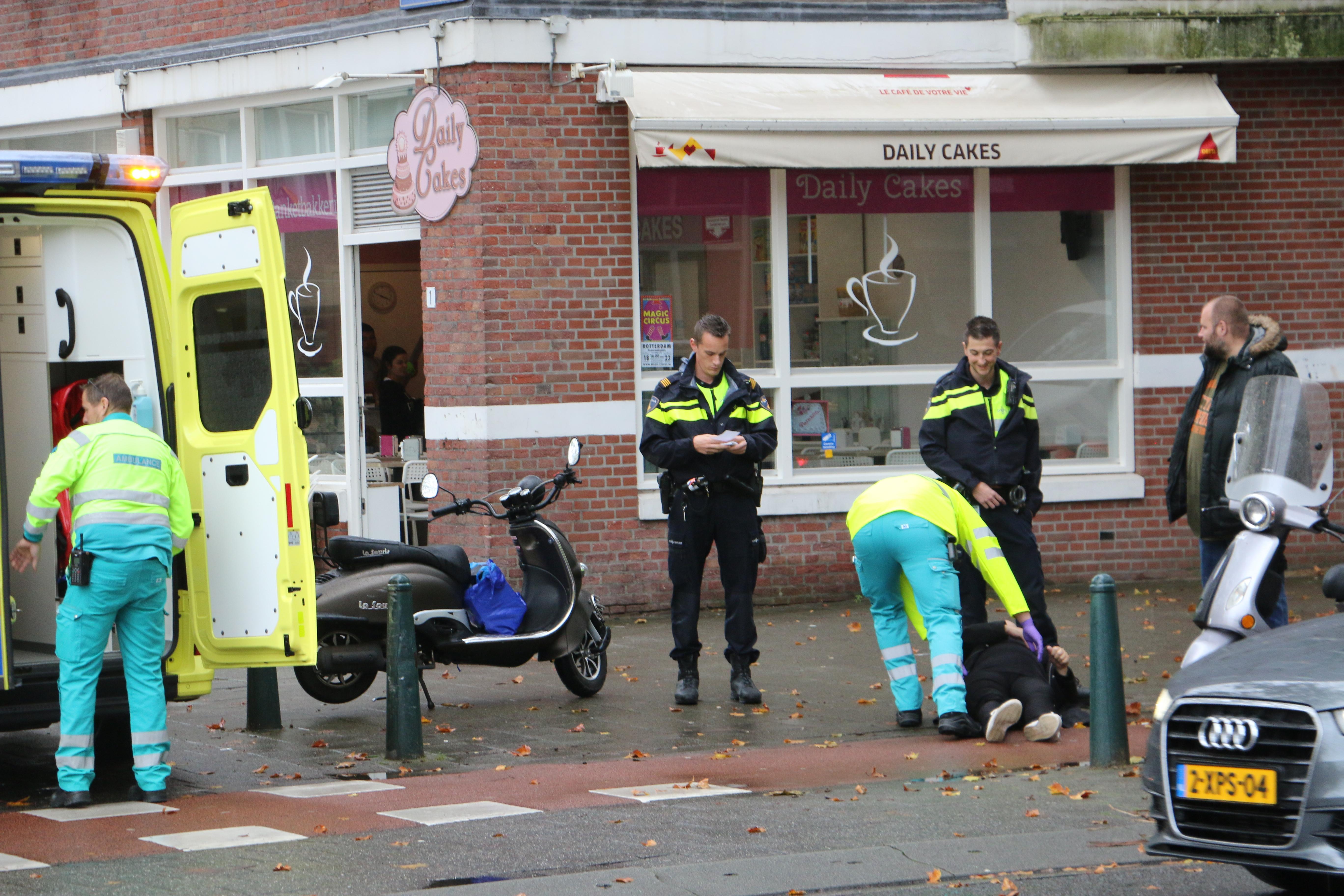 Scooterrijder onderuit van Cittersstraat.