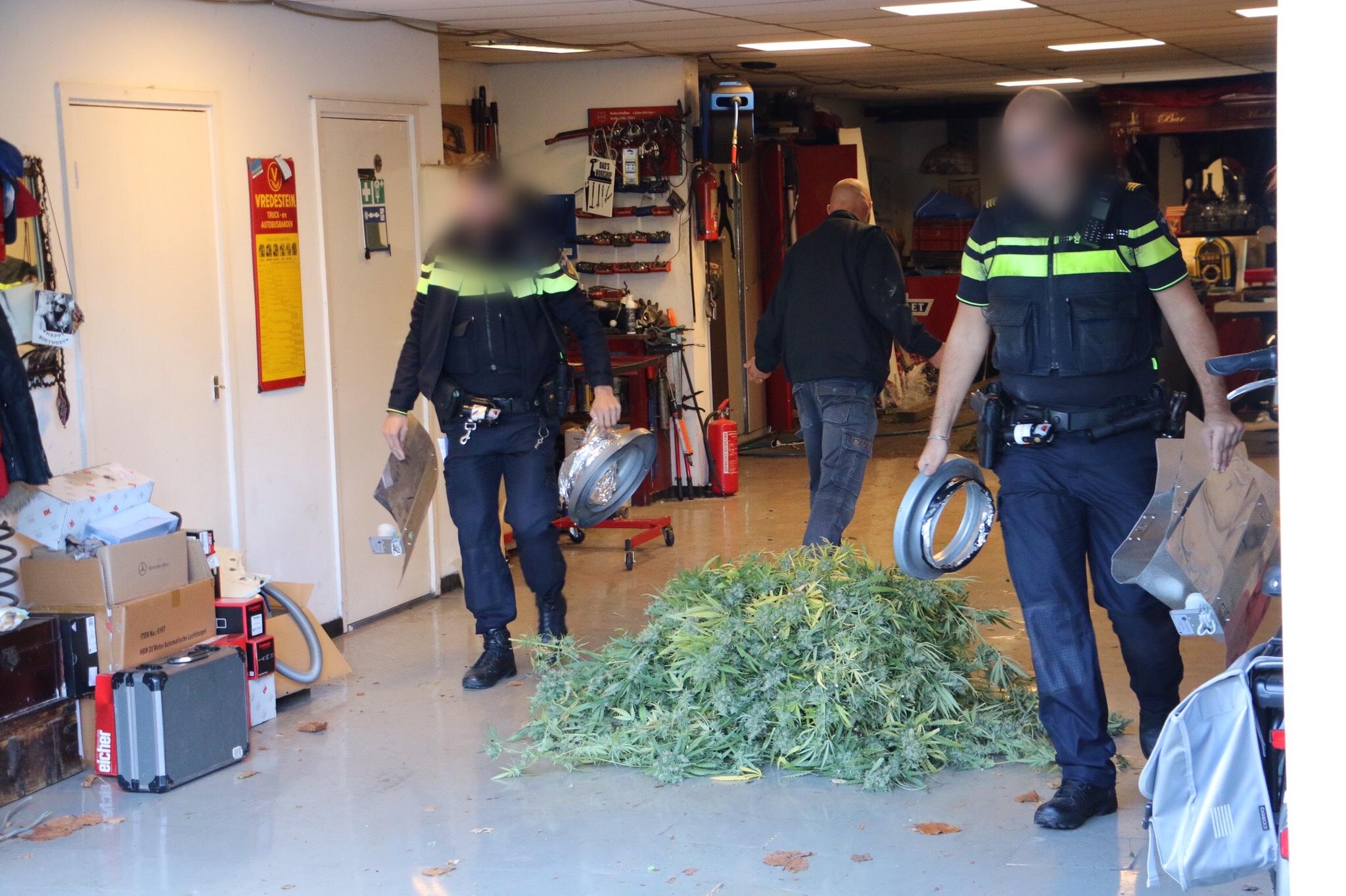 Hennepkwekerij ontmanteld Boslaan Vlaardingen.