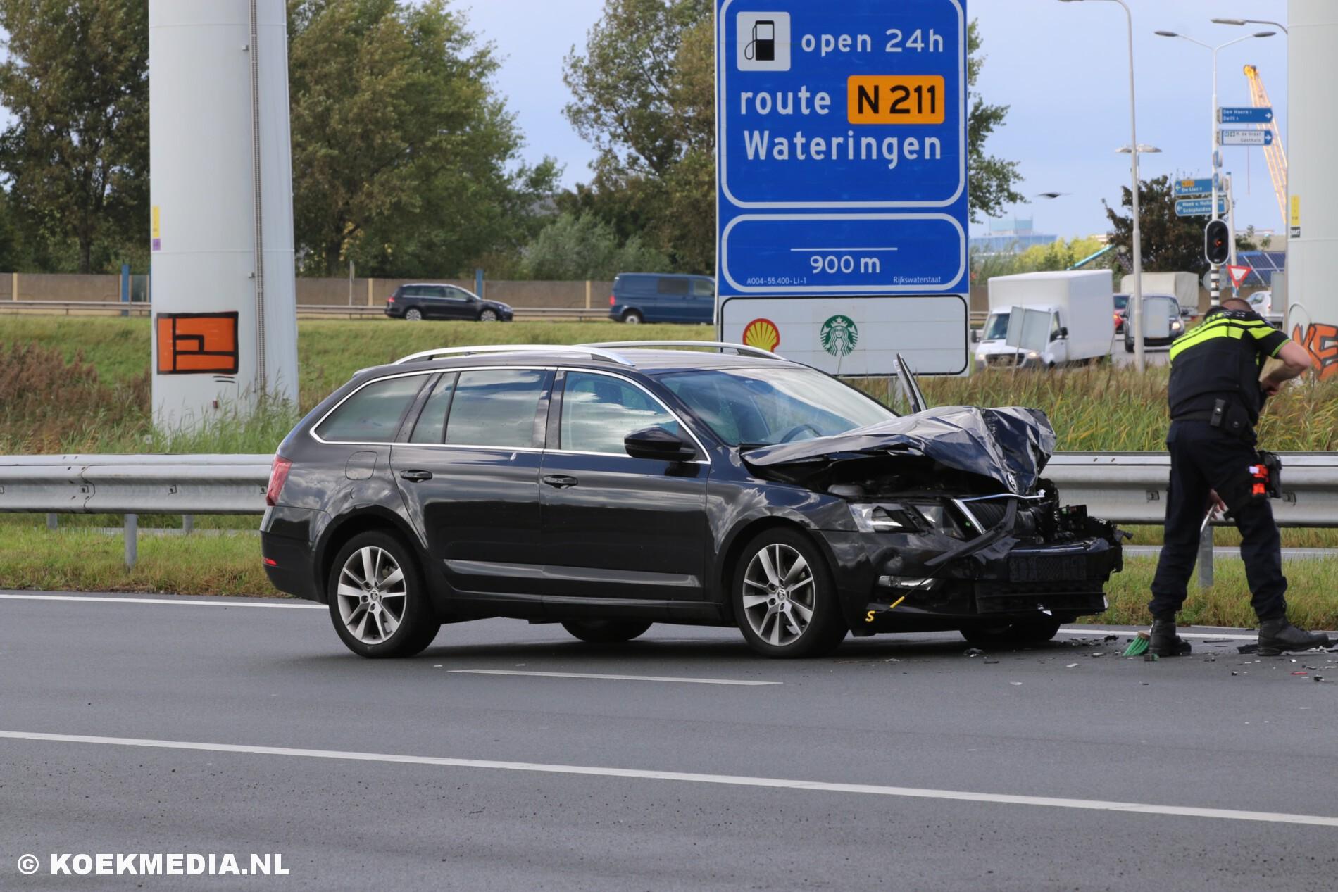 Flinke schade na aanrijding op de A4 bij Schipluiden.