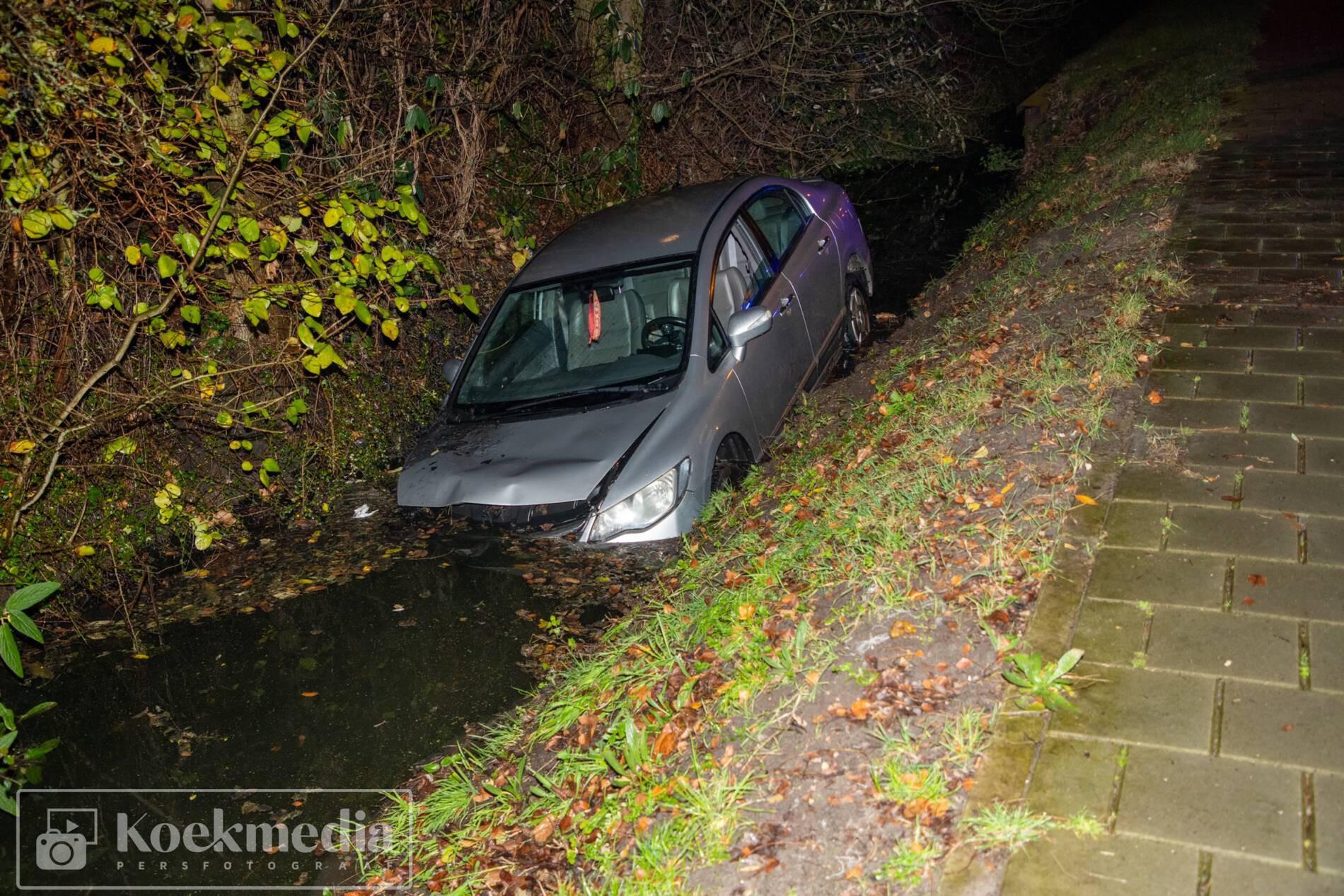 Auto te water Middel Broekweg Naaldwijk