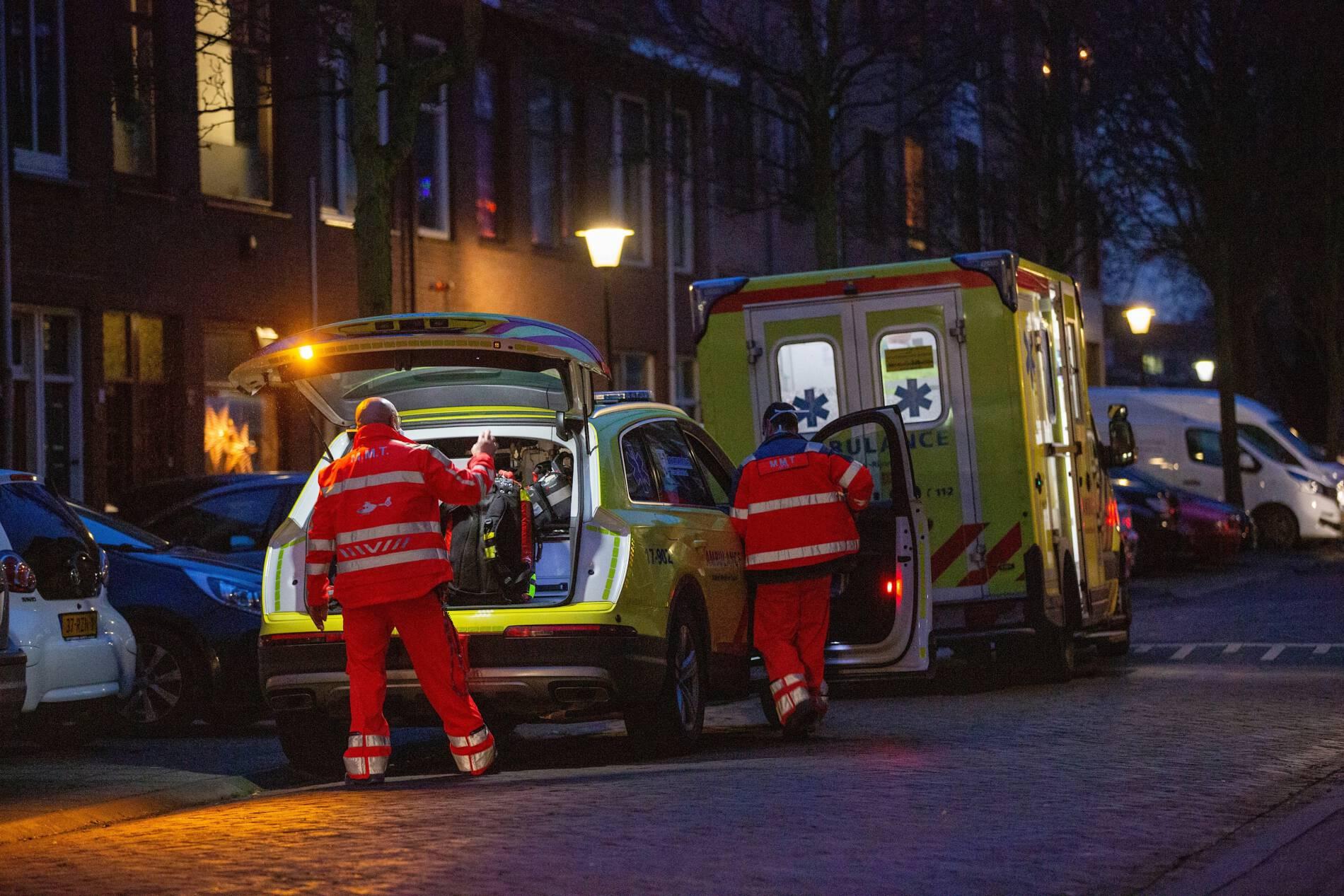 MMT per auto naar  medische noodsituatie in woning Vlaardingen