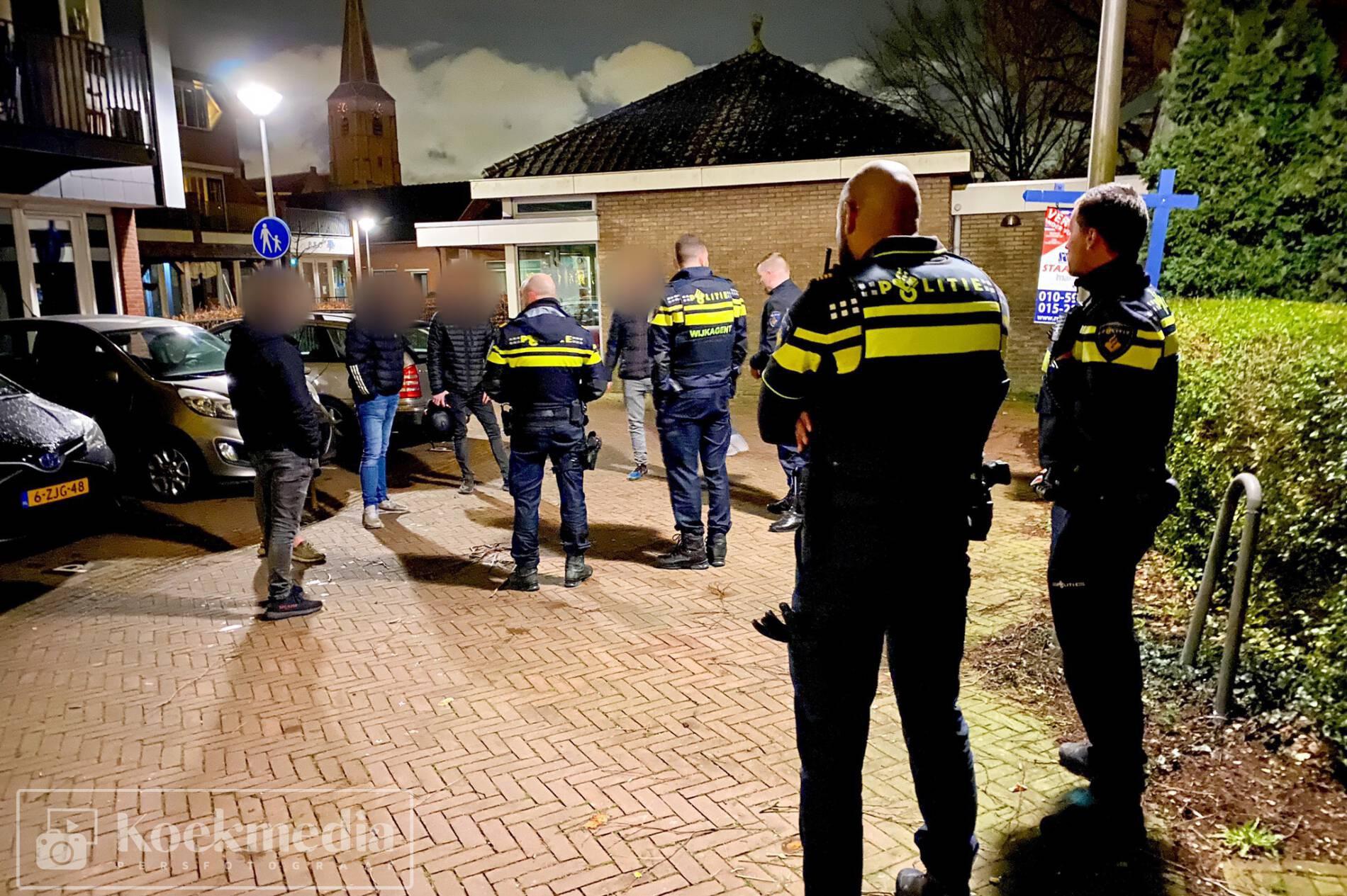5 personen aangehouden na vernielingen aan auto's in Maasland
