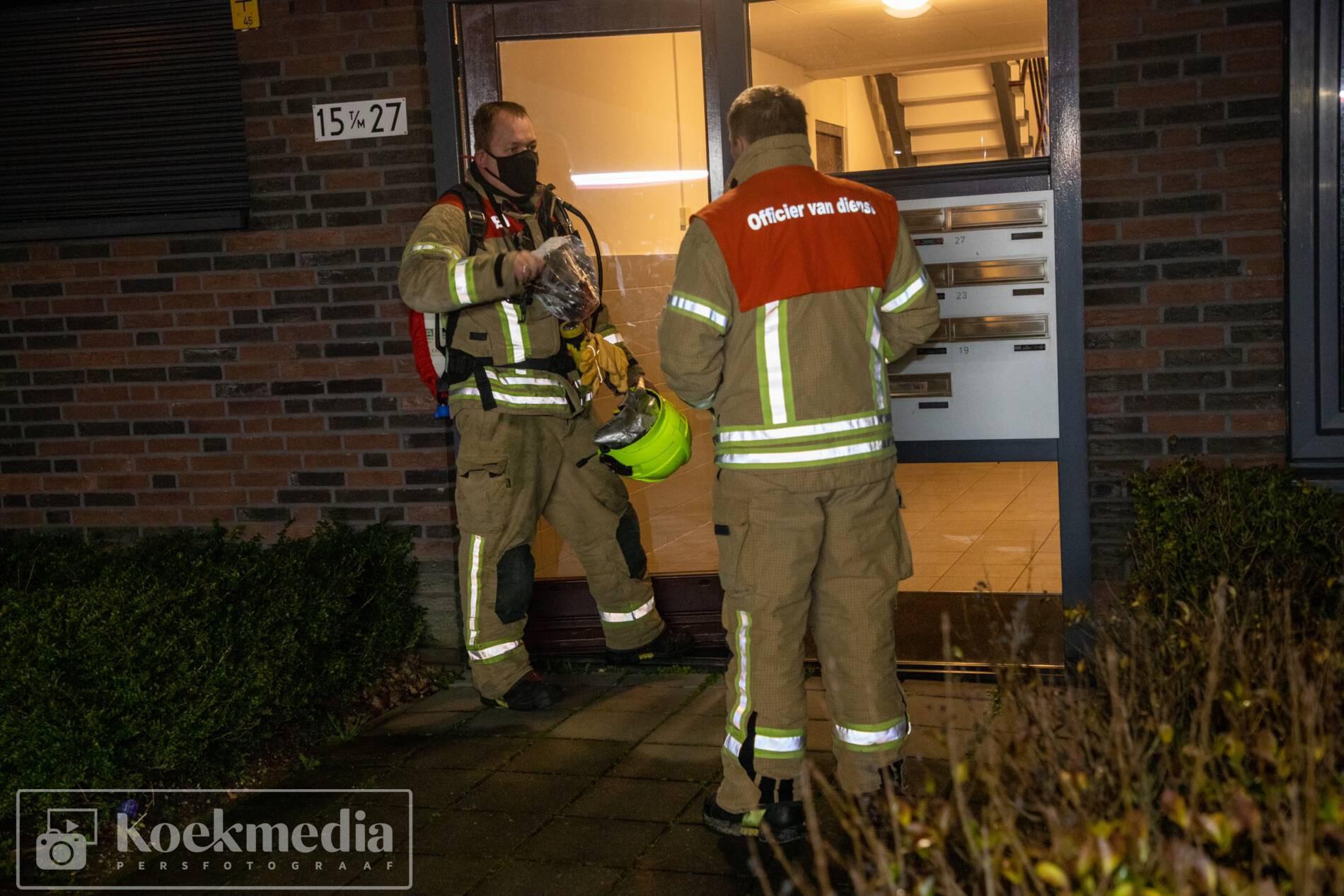 Brandweer rukt uit voor gaslucht in woning Maassluis