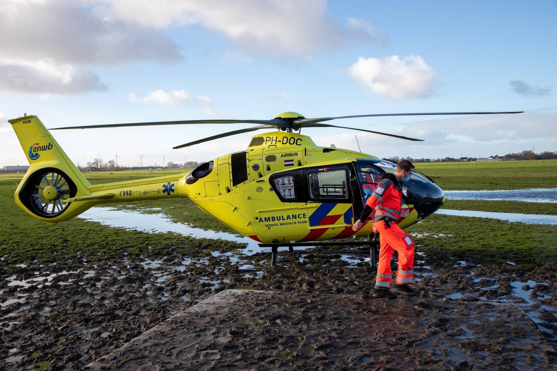 Traumahelikopter voor gevallen fietser in Maasland