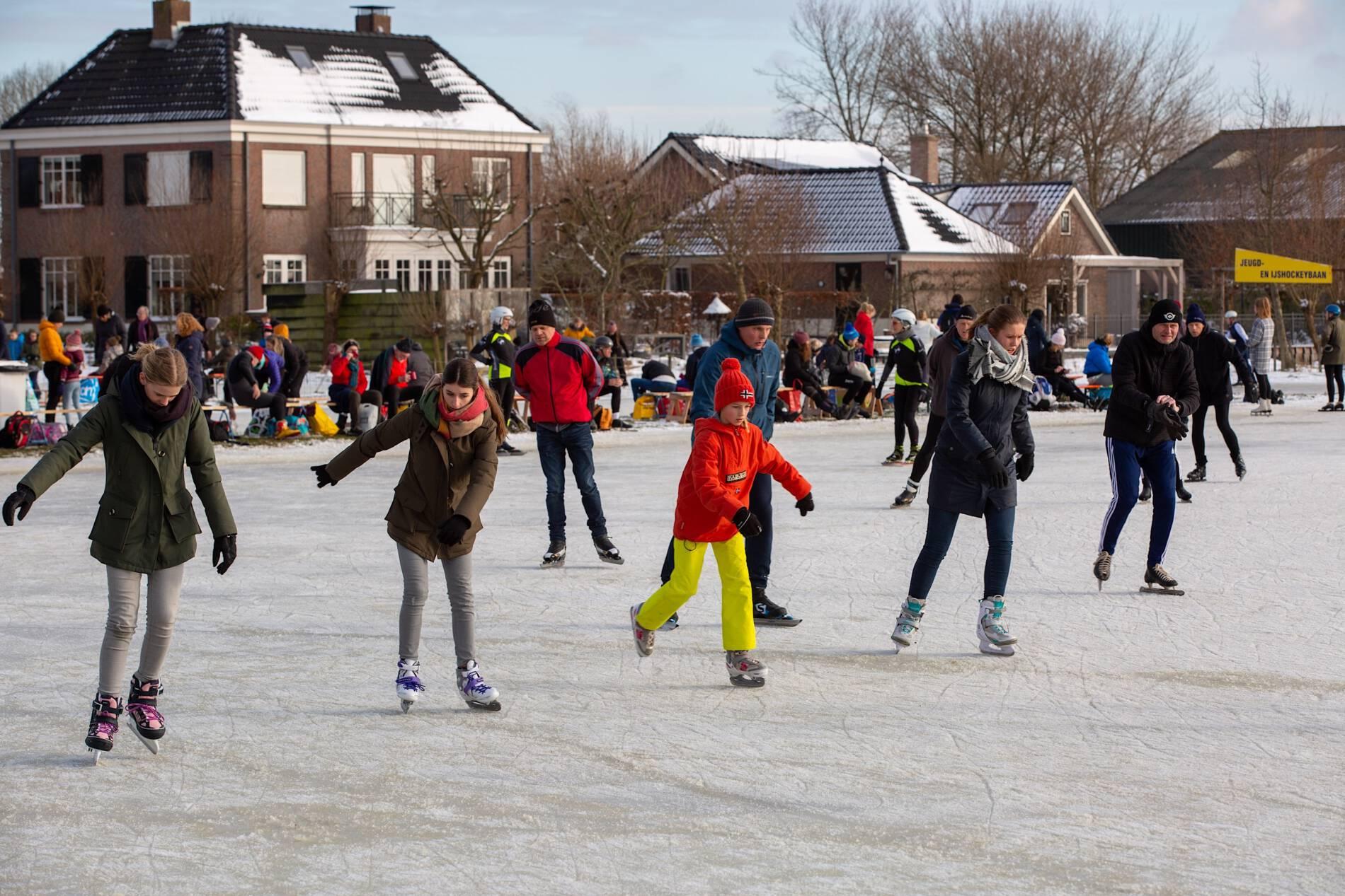 Schaatsplezier bij ijsclub Vlietland Schipluiden