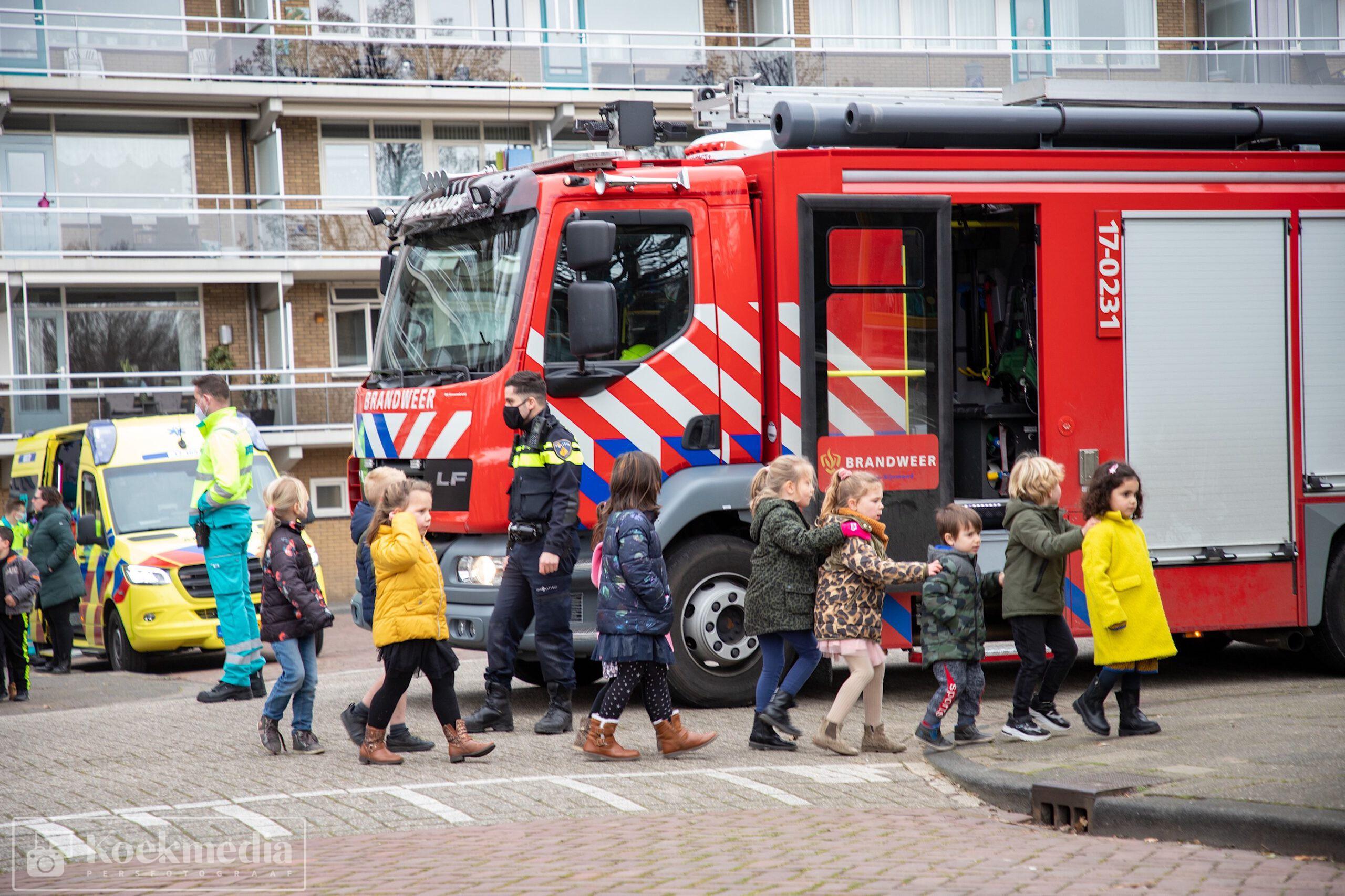 Basisschool de Regenboog ontruimd na brandlucht