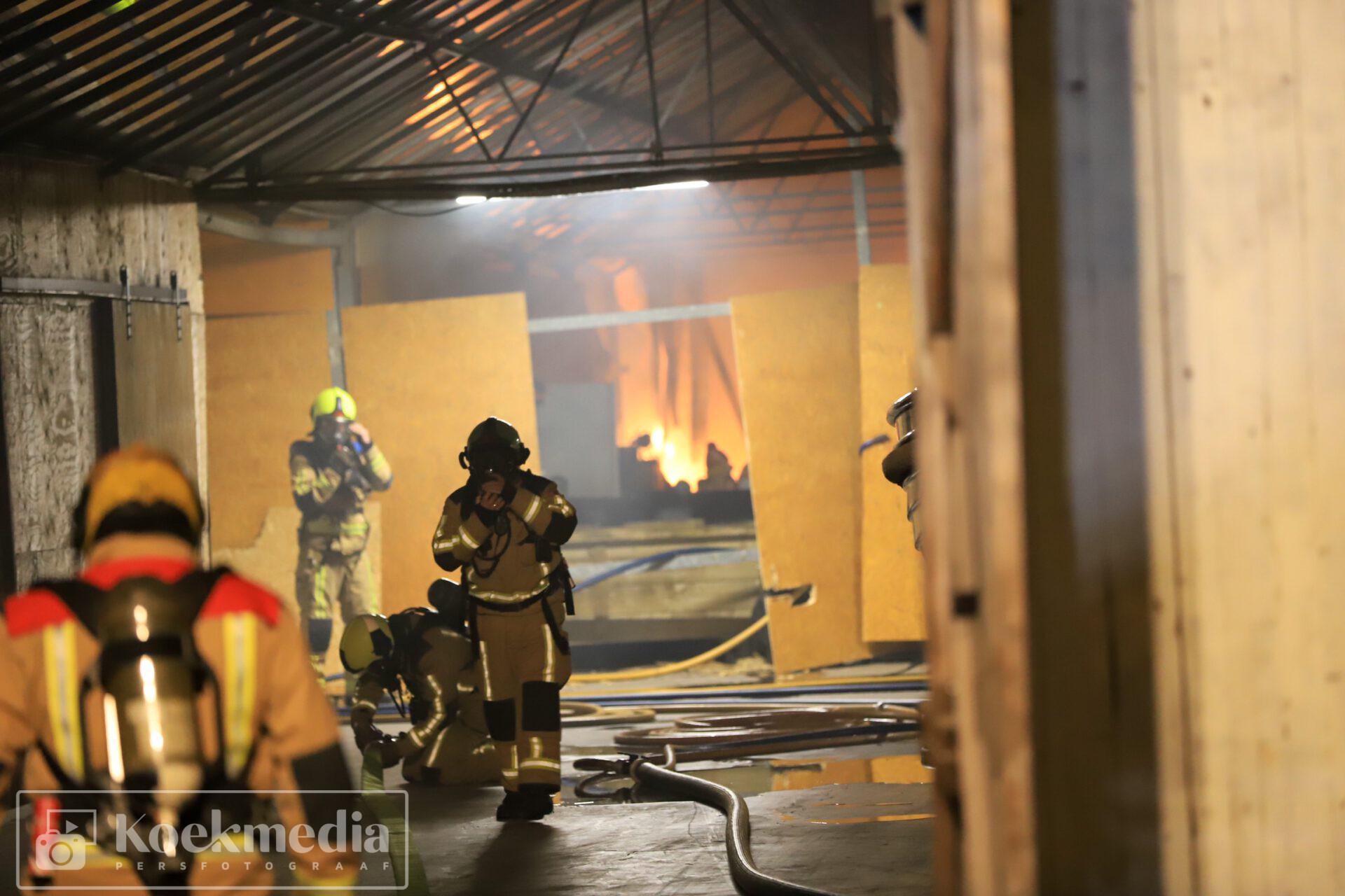 Grote brand kassencomplex Opstalweg Naaldwijk