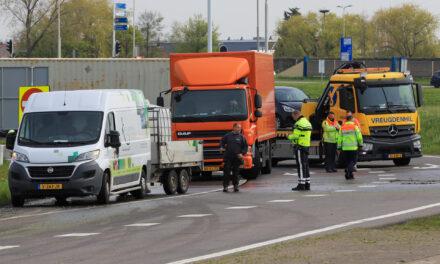 Container met diesel valt op wegdek afrit A4 Den Hoorn/Schipluiden