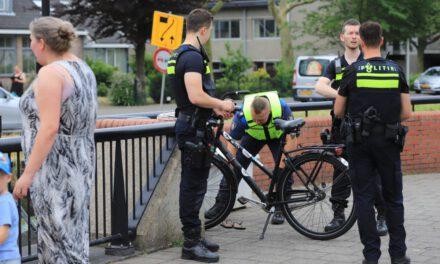 Achter gelaten fiets langs het water zorgt voor inzet hulpdiensten