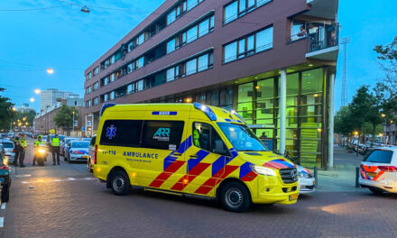 Gewonde na steekpartij in woning Toussaintstraat-Rotterdam