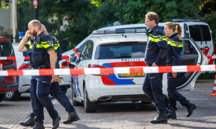 Politie schiet man met vuurwapen neer Maasboulevard-Vlaardingen