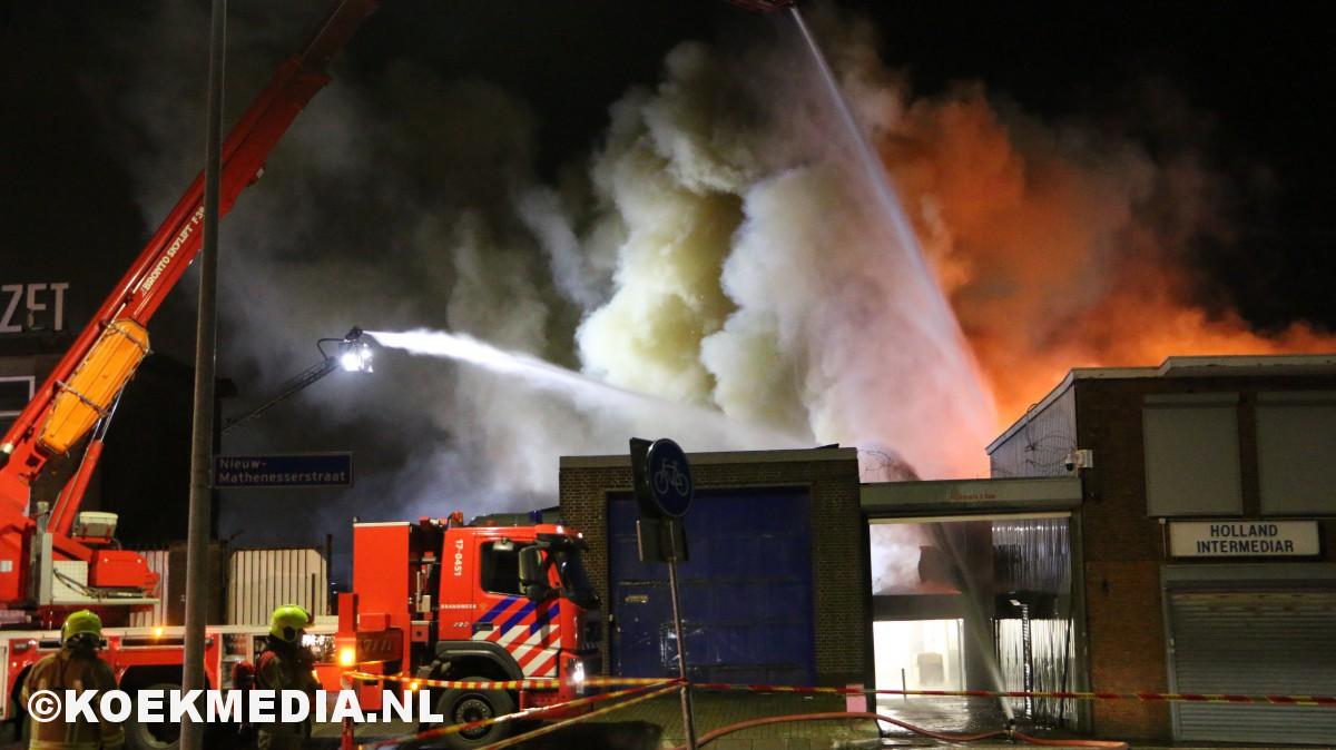 Zeer grote brand bij farmaceutisch laboratorium Maripharm