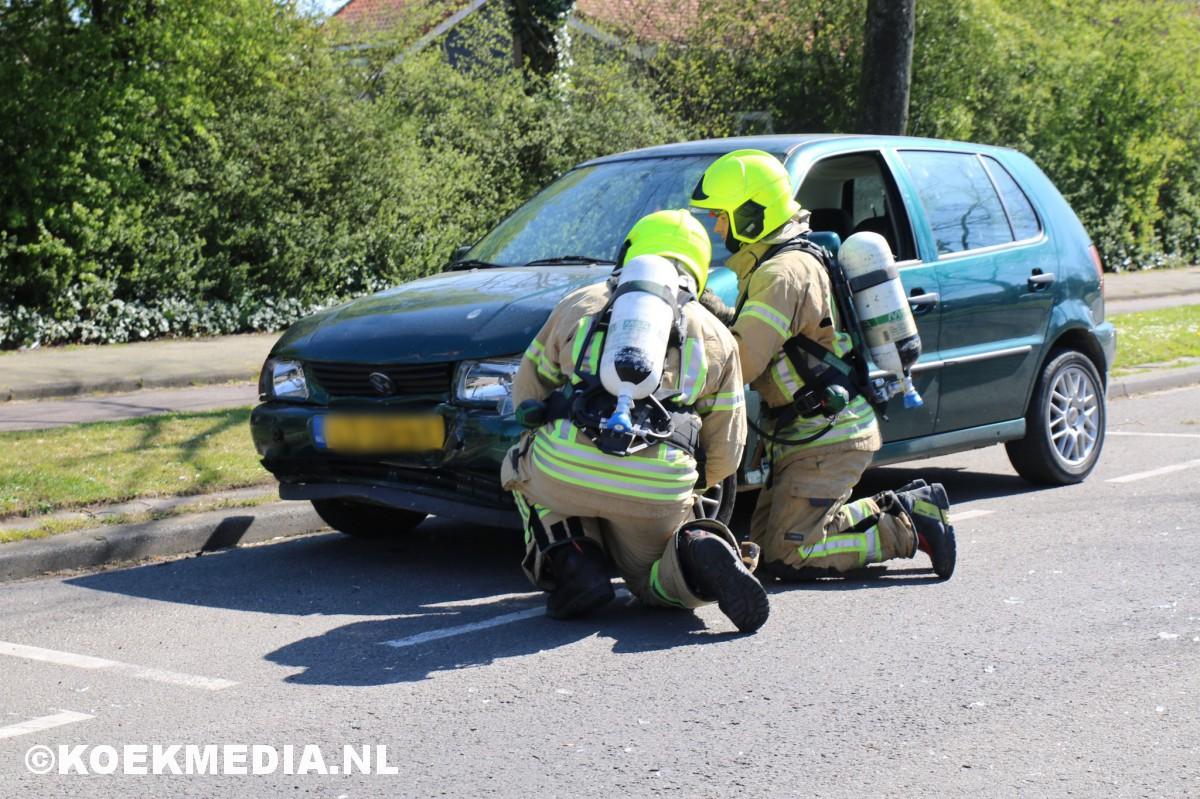 Kop-staart botsing 4 auto's in Vlaardingen