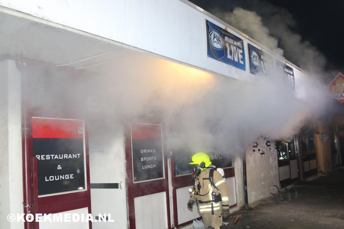 Grote schade na brand in eetgelegenheid Score.