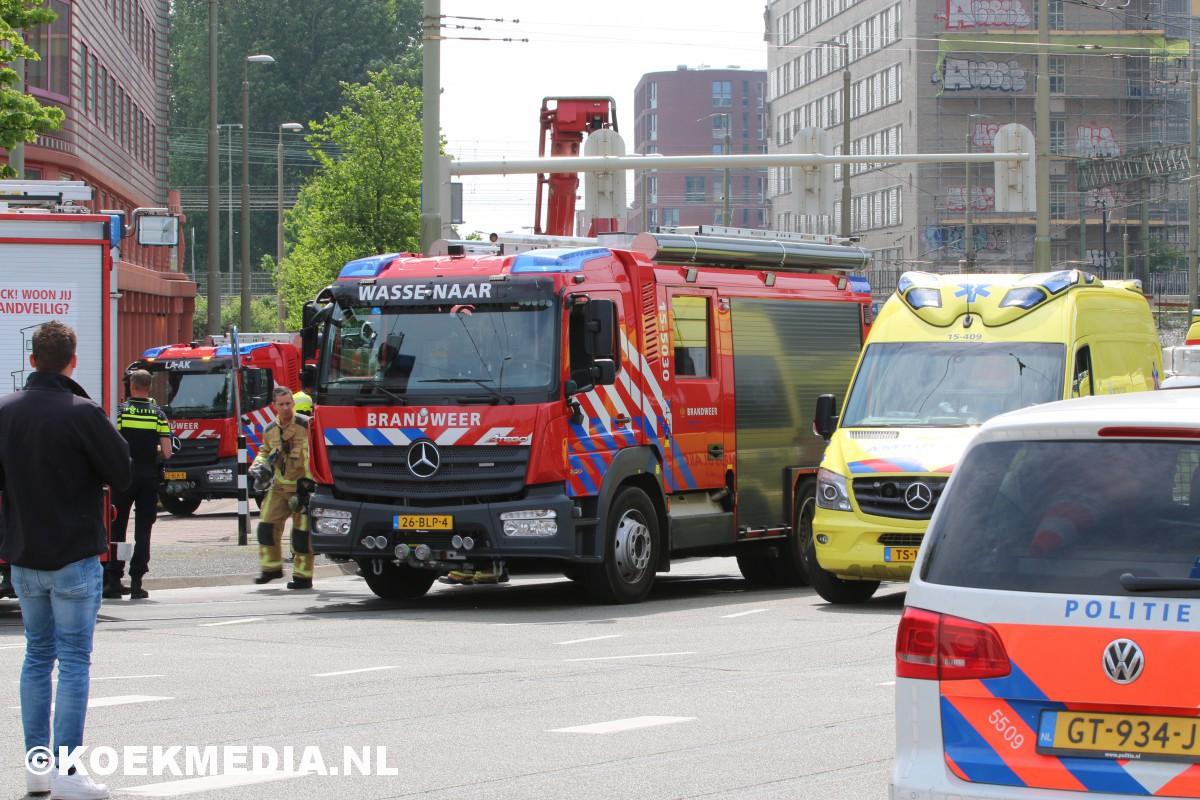 Meerdere gewonden bij brand op 16e verdieping van studentenflat Rijswijkseplein Den Haag.